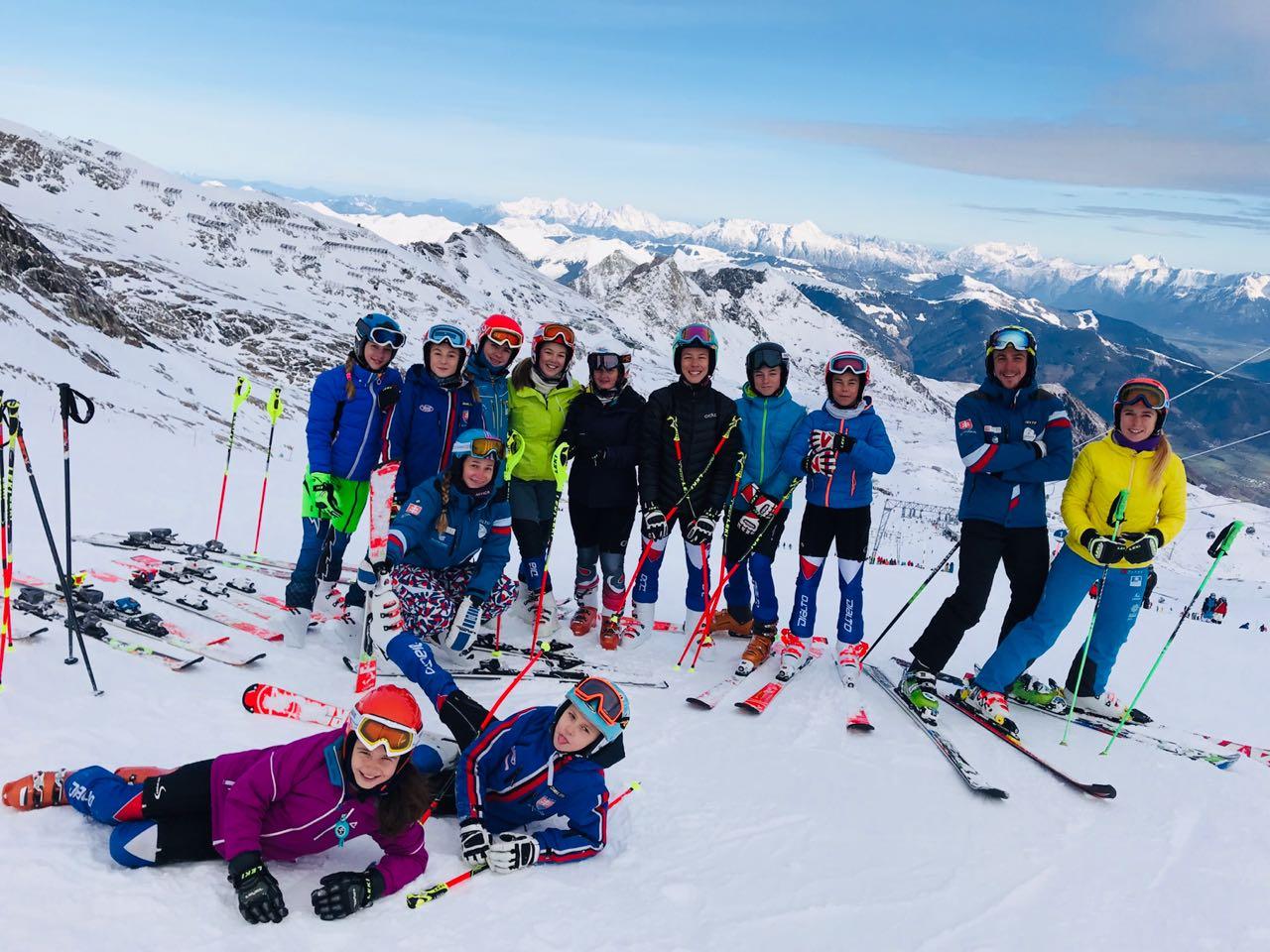 """da09a97f9 ... či učiteľky po absolvovaní lyžiarskeho kurzu. Dieťa by malo získať  dostatočné informácie, ktoré možno ani rodič neovláda,"""" vysvetľuje trénerka."""